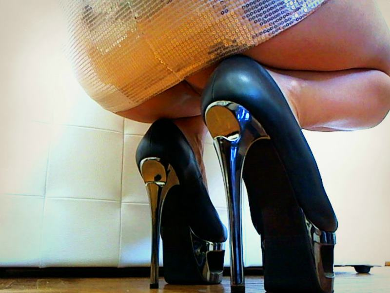GoddessRita high heels fetish